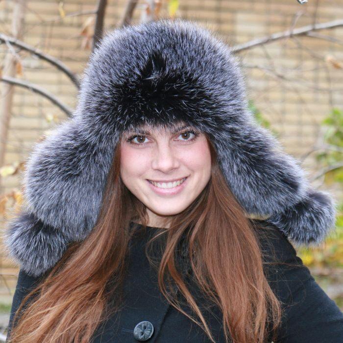 купит зимнюю меховую шапку